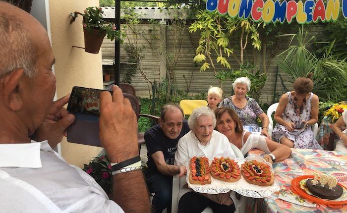 Germignaga, una grande festa per i 100 anni di nonna Rita