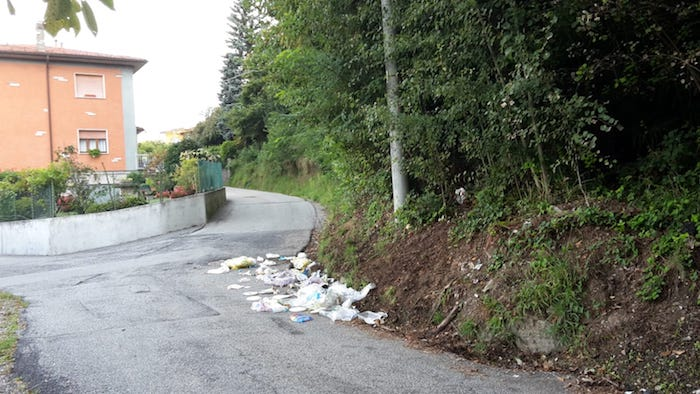 Ancora emergenza rifiuti a Moncucco,