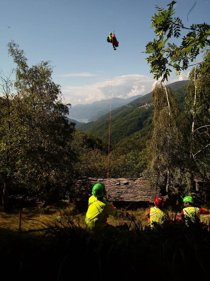 Curiglia con Monteviasco, trovato nel bosco un corpo senza vita