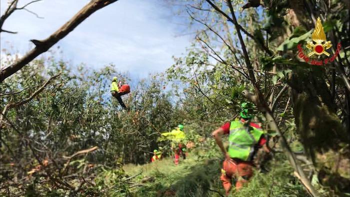 Cade in mountain bike per i boschi di Montegrino, ferito 36enne. Interviene l'elisoccorso