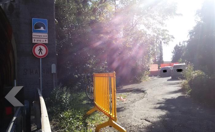 Chiusa la strada dietro la galleria tra Colmegna e Maccagno,