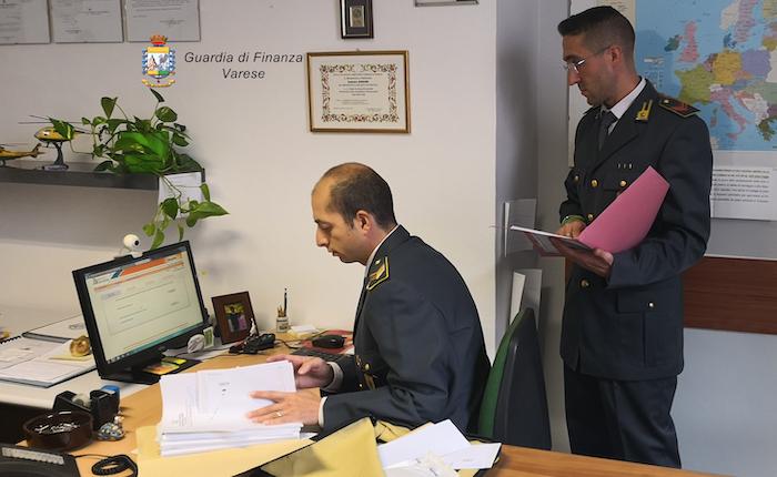 Dipendente pubblico falsificava buoni spese postali, sequestrati 70mila euro a Luino