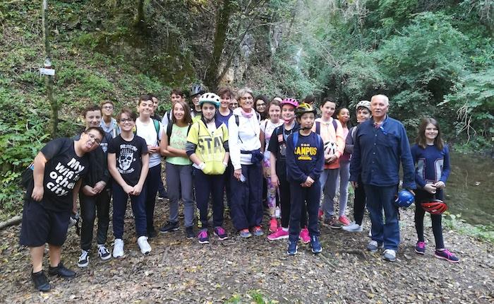 A Luino la biciclettata in omaggio a Guido Petter, 32 giovani studenti protagonisti