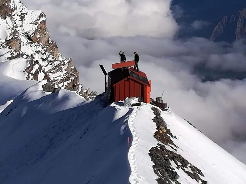 In nome di Luino, finiti i lavori al bivacco sul Monte Rosa.