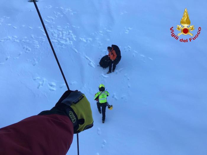 Bloccati oltre i 2mila metri, salvati dall'intervento dei vigili del fuoco e dall'elisoccorso