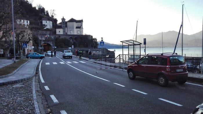 Frana tra Luino e Maccagno, chiuse statale e linea ferroviaria. Grandi disagi verso il Ticino. La situazione, geologi e tecnici sul posto