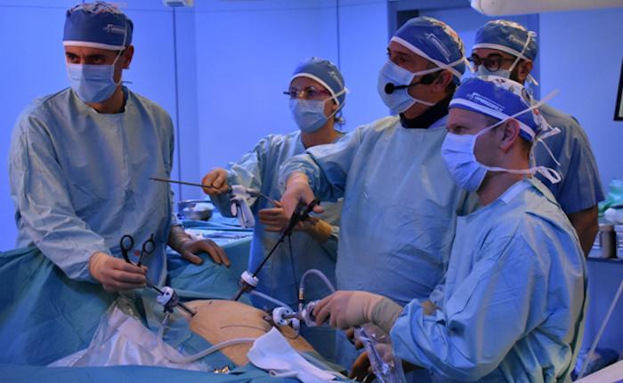 Migliaia di chirurghi hanno assistito in streaming ad un intervento nelle sale operatorie di Varese