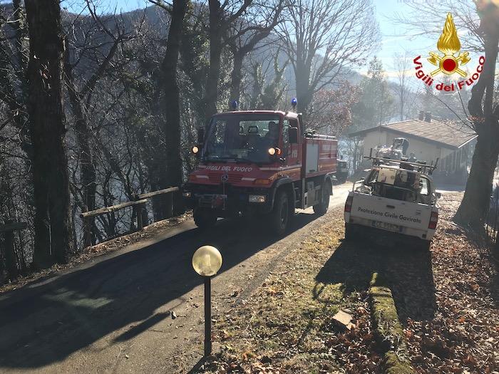 Incendio in Valganna: migliora la situazione, l'Alpe Cuseglio fuori pericolo