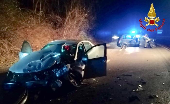 Incidente sulla SP1, scontro tra due auto