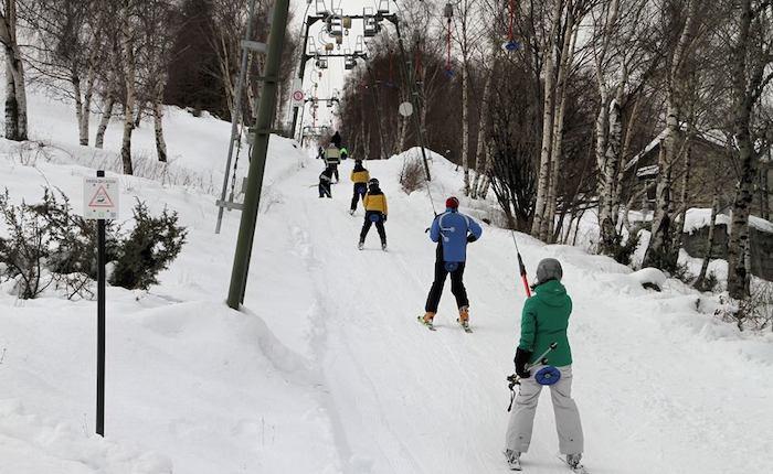 Sci, slittini e snow: la pista della Forcora invasa da bambini ed appassionati