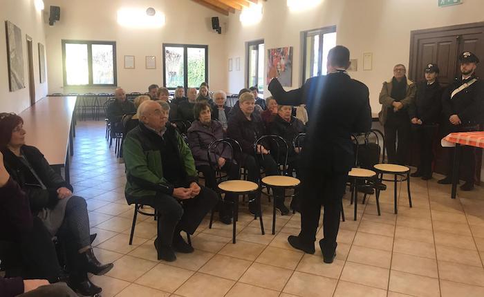 I Carabinieri di Cuvio incontrano gli anziani: ecco i consigli per non correre rischi