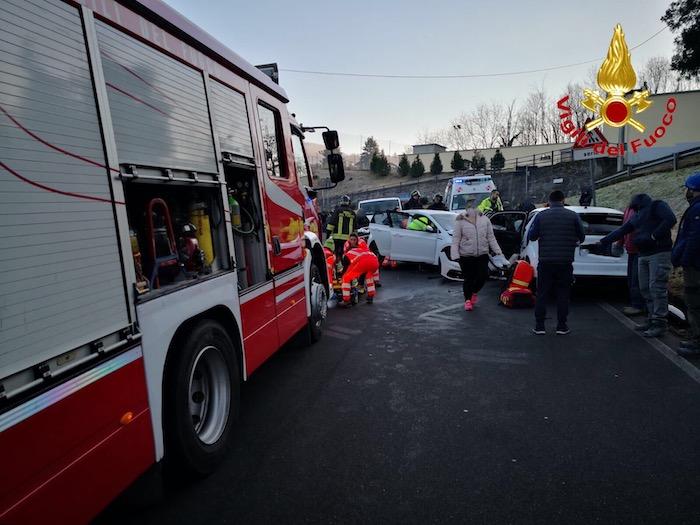 Grave frontale a Ferrera, ferite due persone