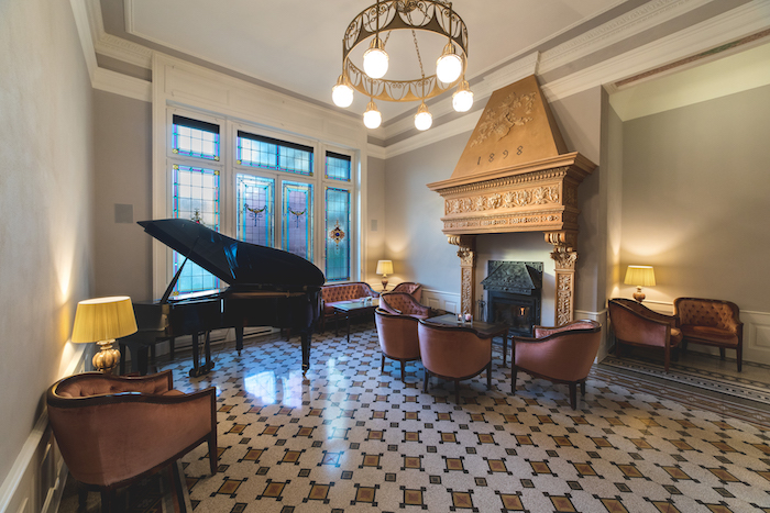 Il Camin Hotel Luino, una perla in riva al lago tra ristorante e camere d'albergo