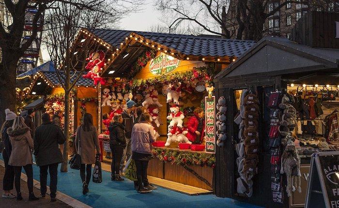 Alla scoperta dei mercatini di Natale di Aosta con gli Alpini di Luino - Luino Notizie