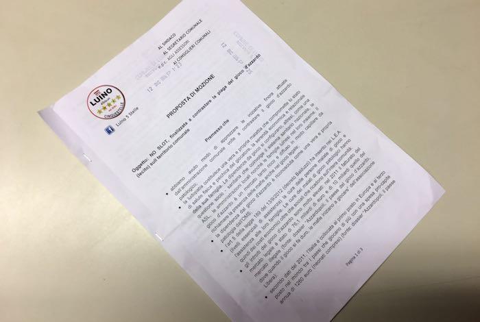 Luino, gli attivisti del M5S presentano una proposta di mozione contro il gioco d'azzardo patologico