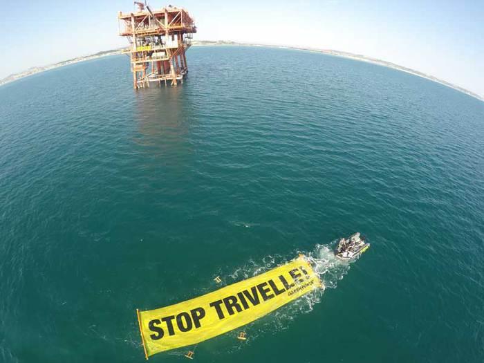 Civitanova Marche – In azione contro le trivelle in Adriatico. ©Matt Kemp/Greenpeace