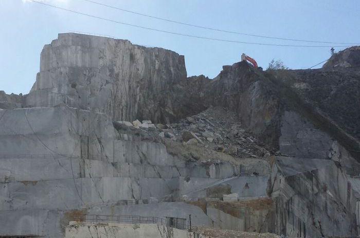 Carrara, frana alla cava: ritrovati i corpi dei due operai dispersi (ANSA)