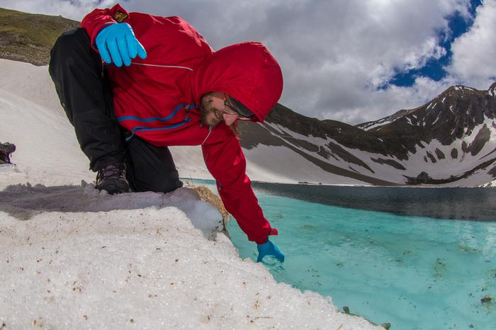 Lago di Pilato – Greenpeace effettua campionamenti per rilevare sostanze tossiche in alcuni dei luoghi più remoti del Pianeta.©Roberto Isotti/Greenpeace