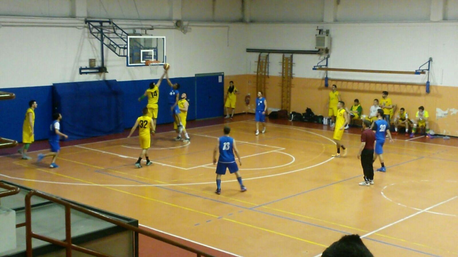 Torneo Uisp: il Basket Verbano inizia col piede giusto, Tradate sconfitto 88-74 in Gara1