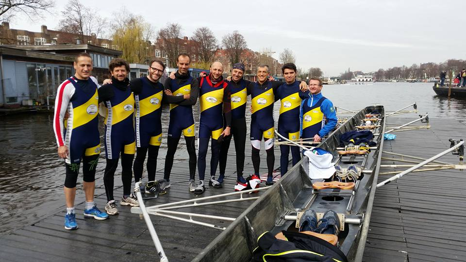 Battesimo per 14 giovani della Canottieri Luino a Monate, un successo la trasferta di Amsterdam(Amsterdam 8+ junior f)
