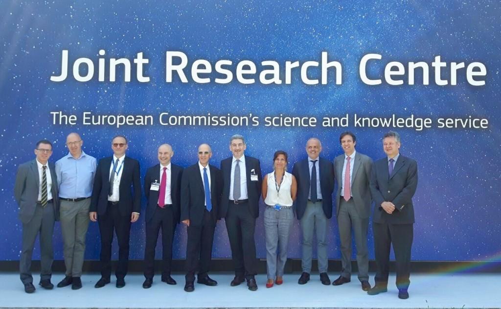 """Il presidente del consiglio regionale Catteneo e l'assessore Del Gobbo in visita al """"Joint Research Centre di Ispra"""