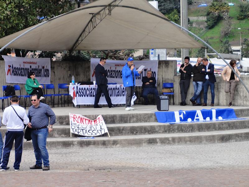 """""""Frontierday"""" a Lavena Ponte Tresa: """"400 lavoratori in piazza abbandonati dal sindacato"""""""