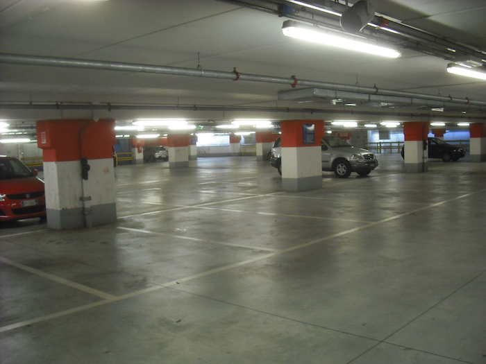 Parcheggi sì, parcheggi no: a Luino si discute sulle aree a disposizione