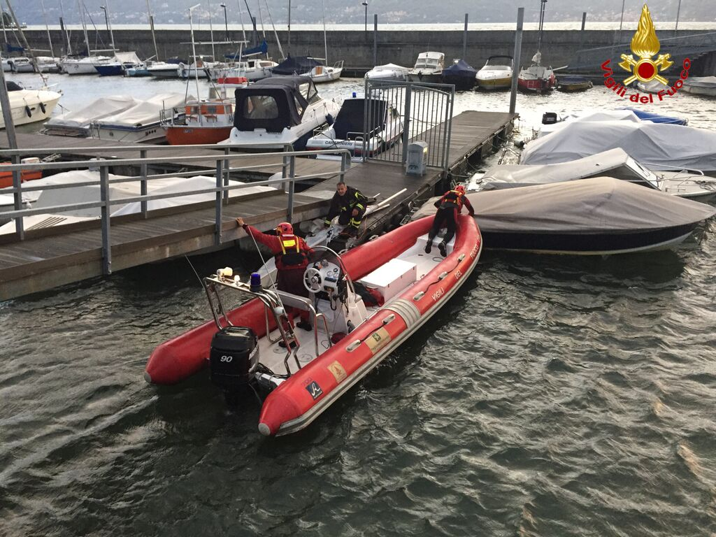 Germignaga, si ribalta durante un'uscita sul Lago in barca a vela. Uomo tratto in salvo dai Vigili del Fuoco