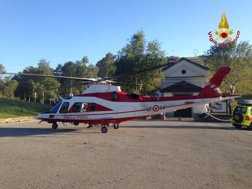Elicottero Drago 84 : Forcora escursionisti si perdono individuati e soccorsi