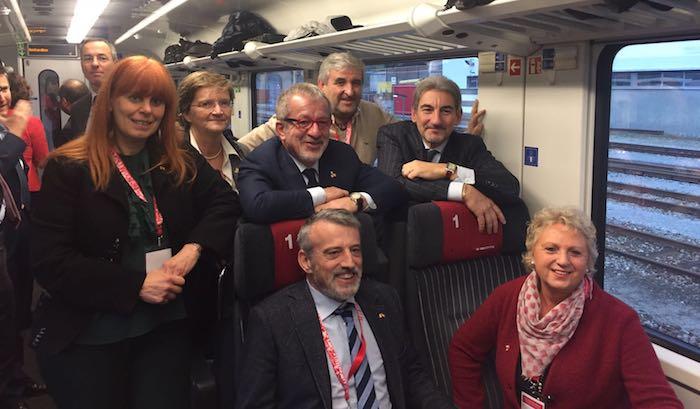 Nelle foto i Presidenti Cattaneo e Maroni con la delegazione regionale e il Presidente Cattaneo con l'Assessore Brianza