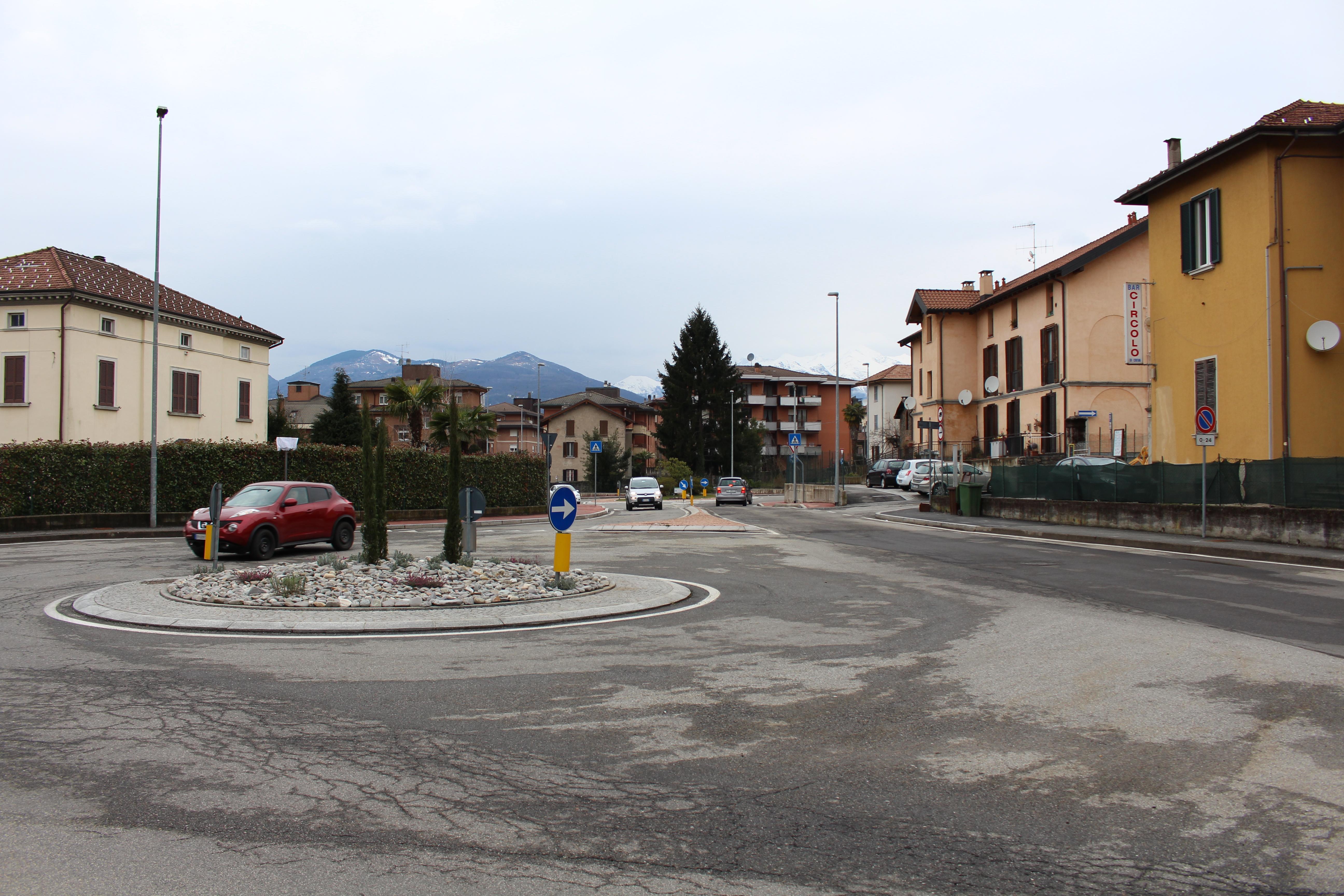Via Turati, a Creva