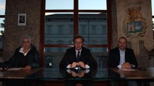 La conferenza stampa di oggi pomeriggio: da destra, la neo assessore, Caterina Franzetti, il sindaco di Luino, Andrea Pellicini, ed il neo-vicesindaco, Alessandro Casali
