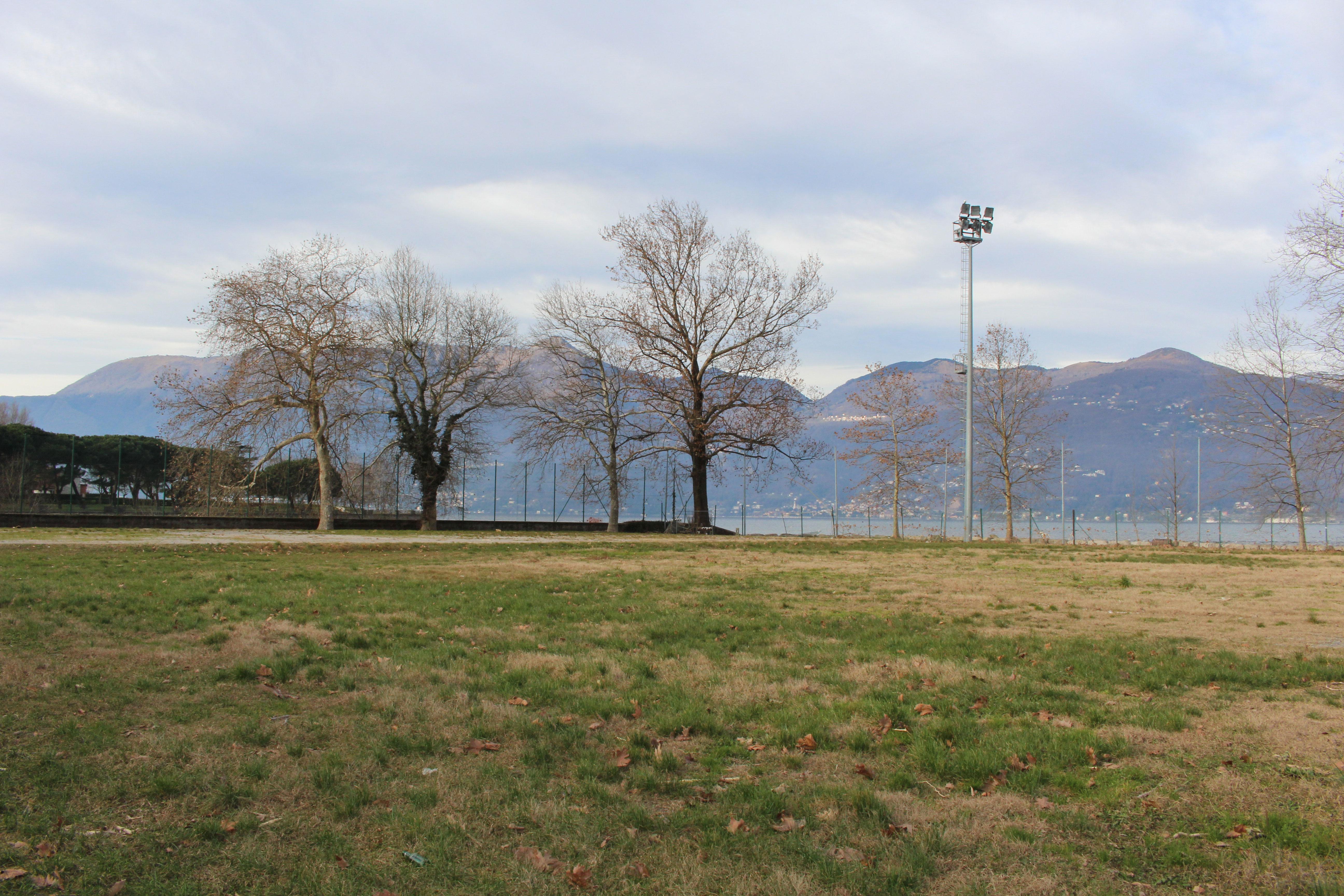 L'area verde dell'ex campo sportivo Lido di Luino