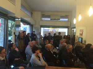 Il pubblico presente ieri pomeriggio all'Info-Point di via Sereni 1