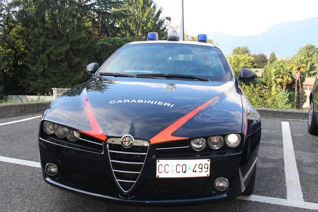 Una pattuglia della radiomobile dei Carabinieri di Luino