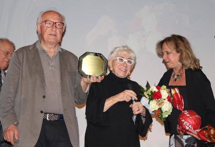"""Luino, il """"Premio Chiara"""" alla carriera a Lina Wertmüller. Grande l'umorismo della regista"""