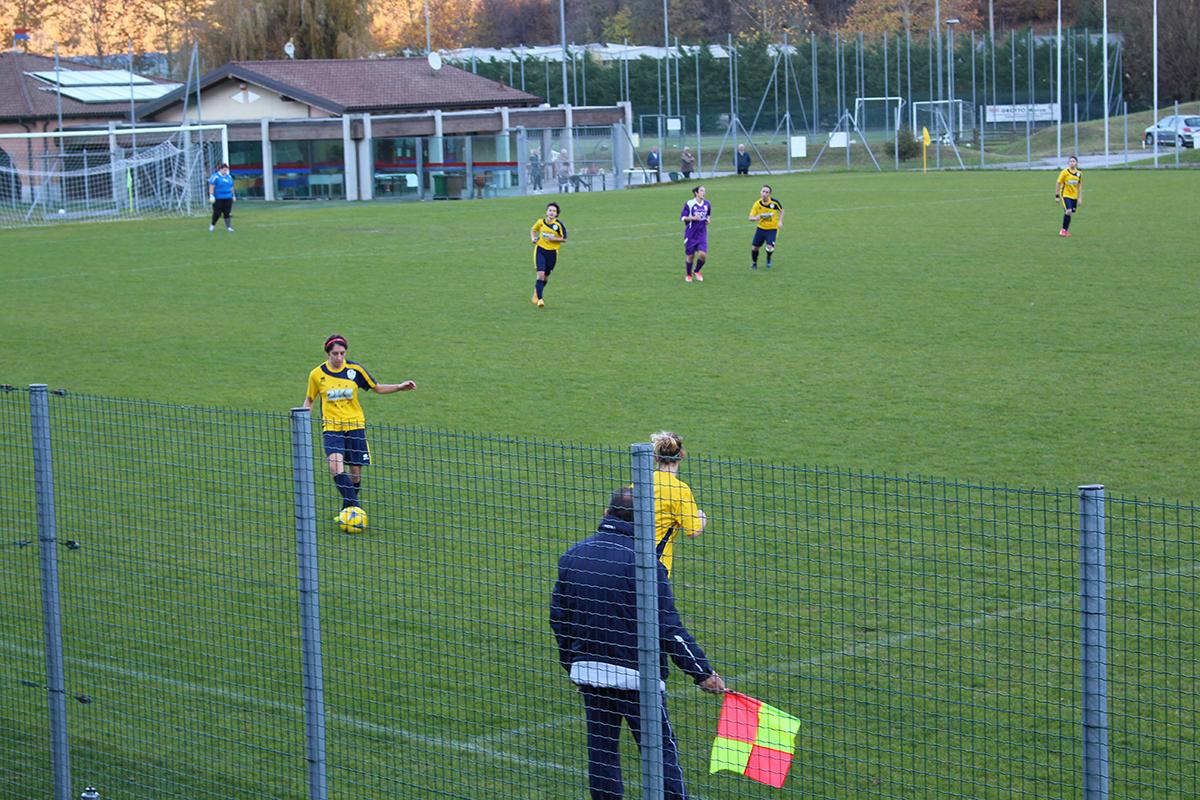 Calcio femminile, tra Alto Verbano e Gropello finisce 2-2: i gol luinesi di capitan Gippini e Zanini