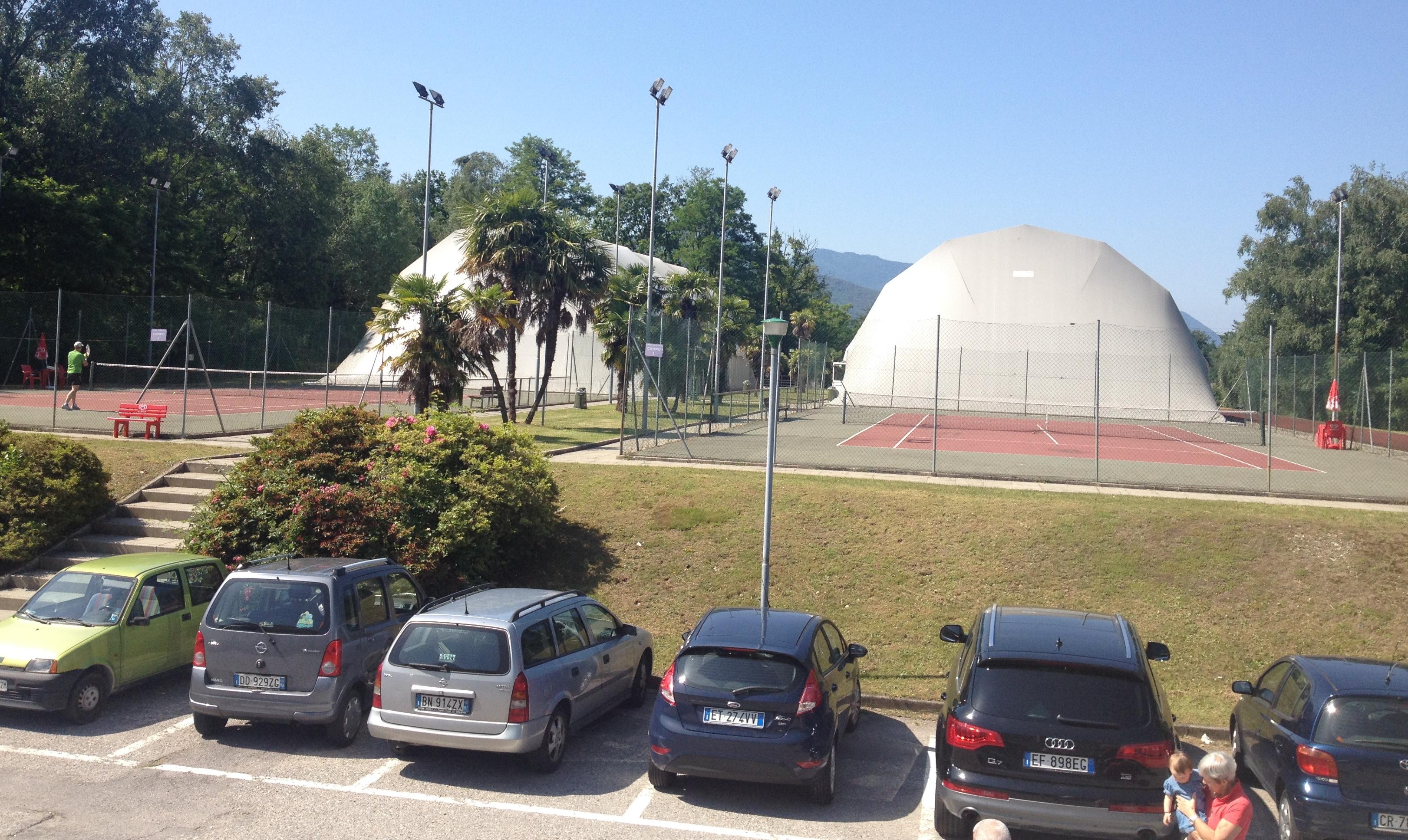 """I campi da tennis (indoor ed outdoor) del Centro Sportivo """"Le Betulle"""""""