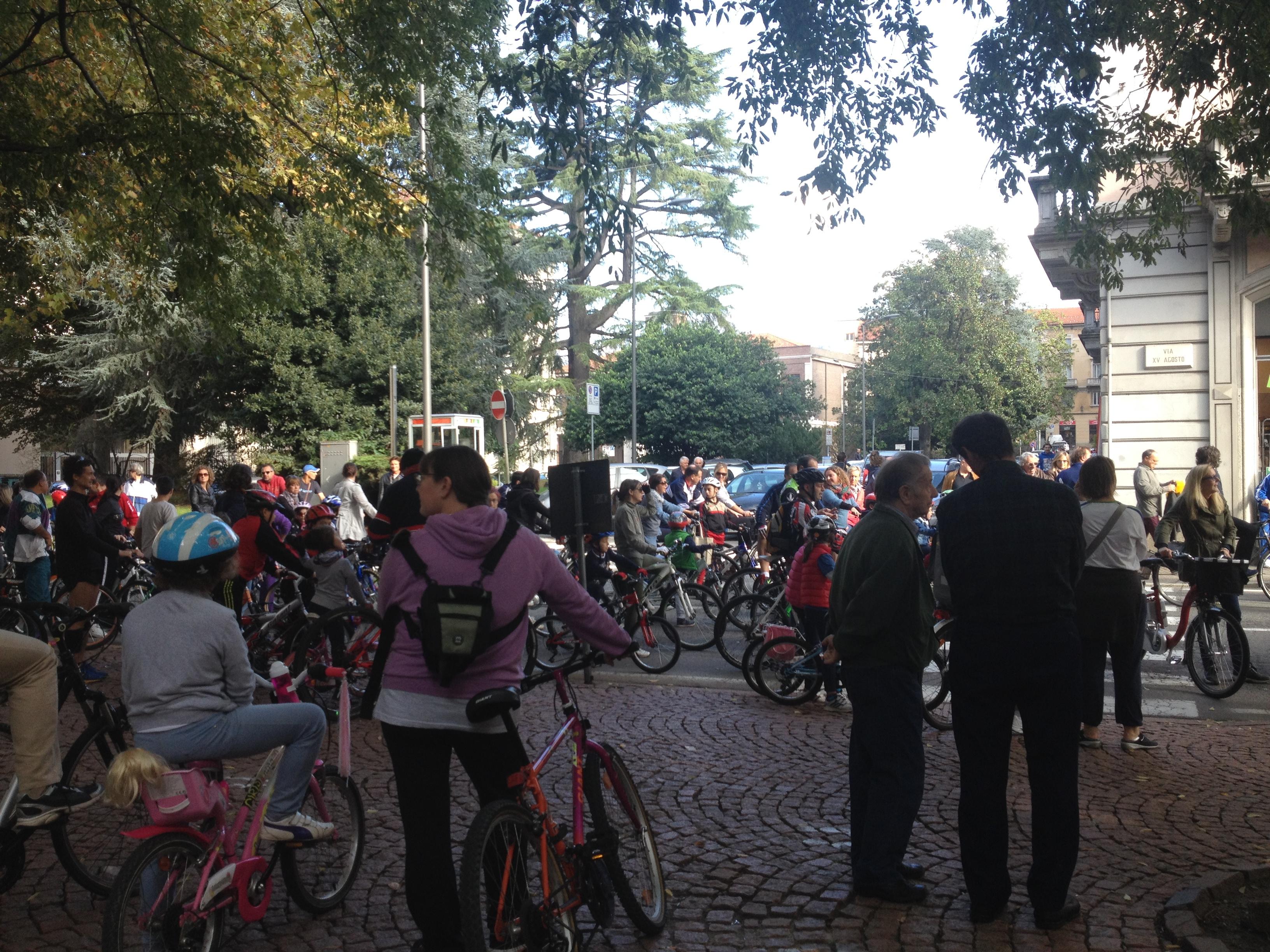 """Luino, grande successo oggi per la """"Bike Family"""""""