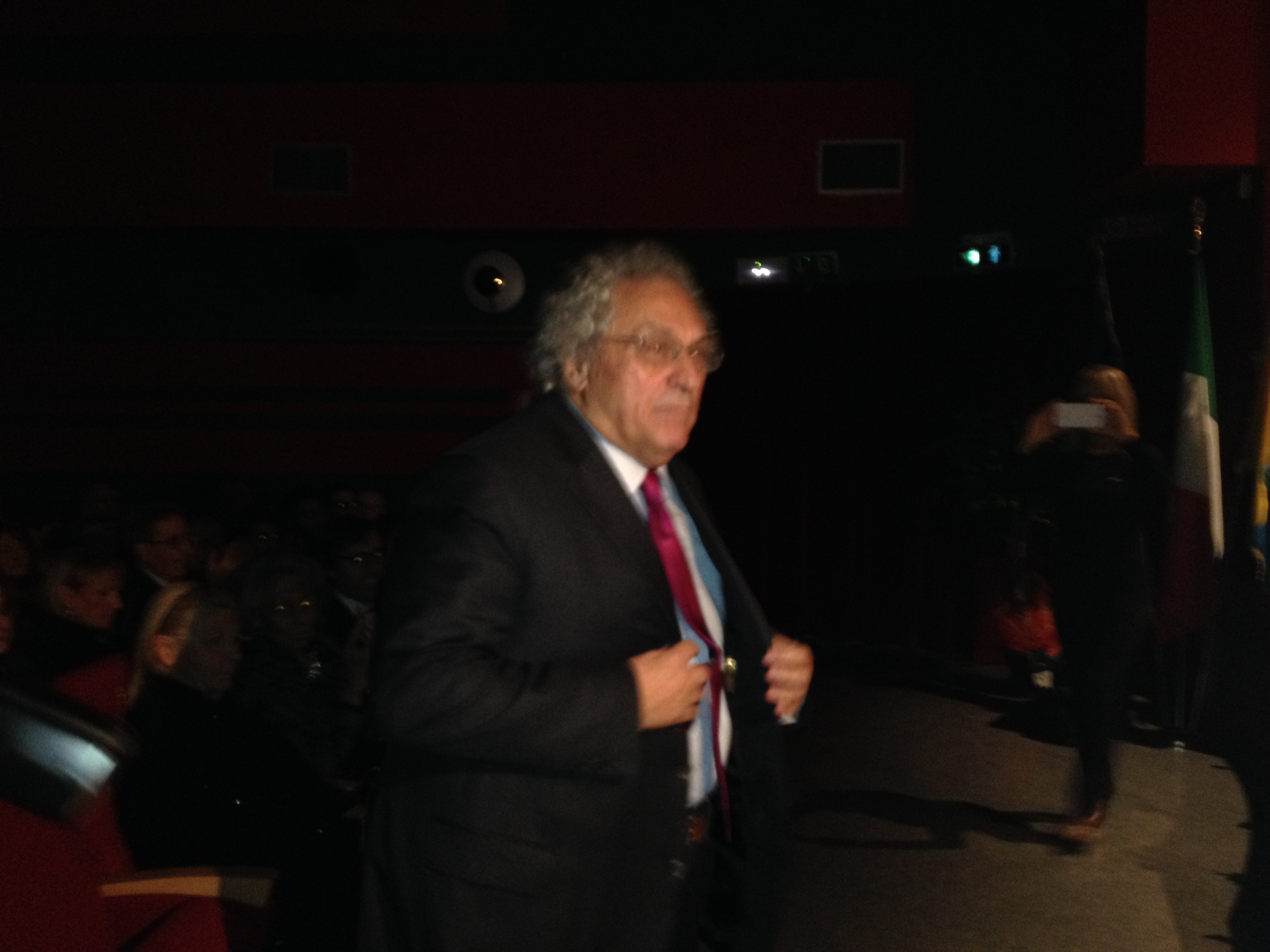 Gabriele Galante, al momento della consegna del premio
