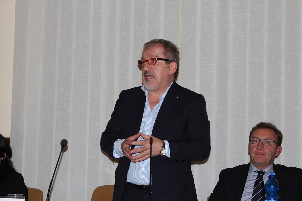 """Luino, Maroni: """"Senatori lombardi e istituzioni locali insieme per dar voce e dignità ai frontalieri"""""""