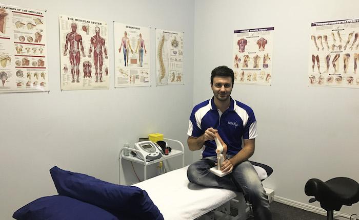 """""""Luinesi all'estero"""": in Queensland Luca Maremmi fisioterapista in una clinica privata"""