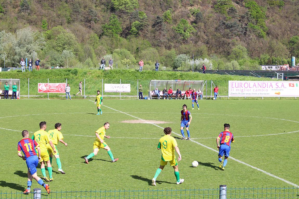 Il Luino-Maccagno pareggia con Caravate, ma vola ai playoff regionali