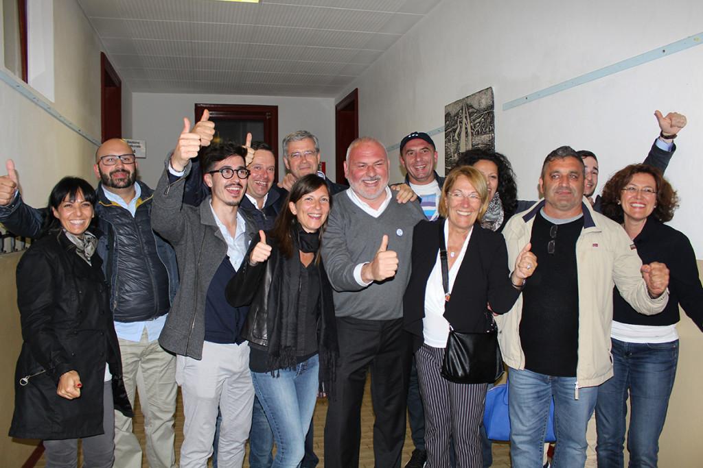"""La squadra """"Io Cambio"""" di Massimo Mastromarino, neo-eletto sindaco di Lavena Ponte Tresa"""