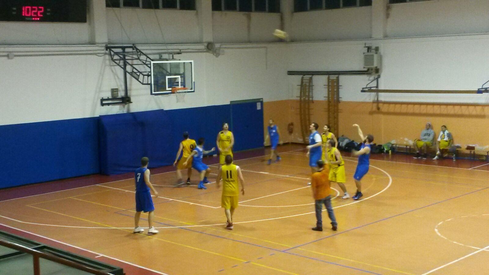 Luino, il Basket Verbano ancora sconfitto di misura: contro i Trigliceridi finisce 65-68
