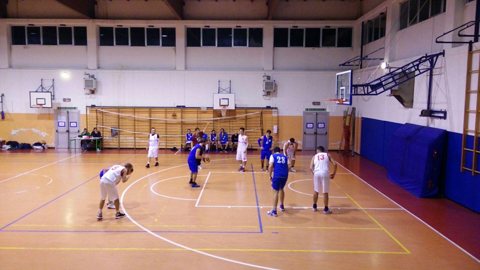 Stop per il Basket Verbano: la Motrix vince a Luino 62-48