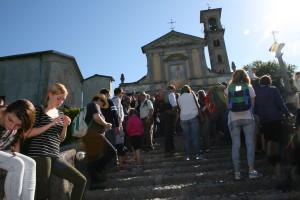 """Grande successo per il secondo """"Equo Tour"""" sulle colline luinesi di TERREdiLago e del CAI di Luino"""
