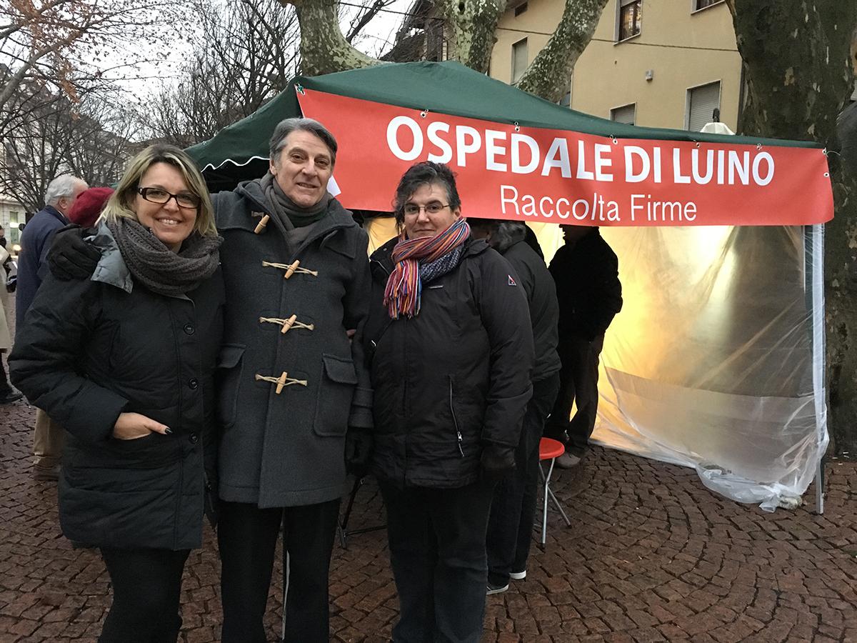 Quasi 800 firme in un solo giorno: i cittadini dalla parte del Comitato a difesa dell'Ospedale di Luino