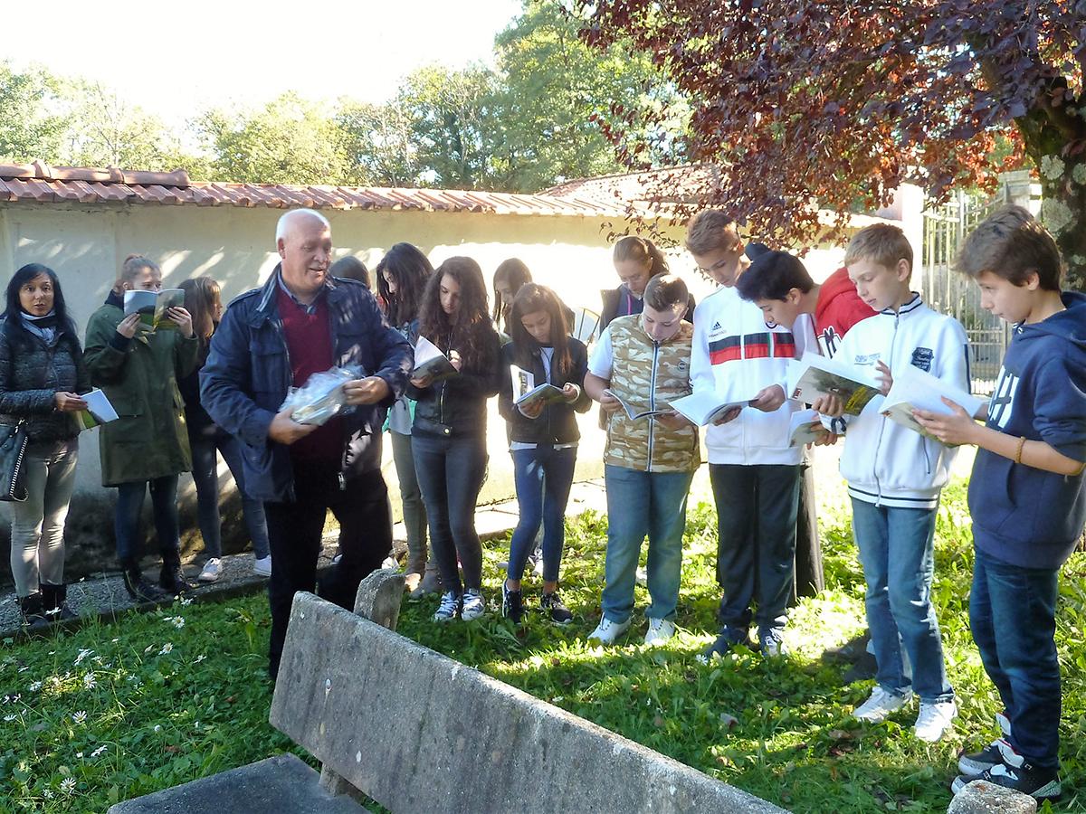"""L'Istituto Comprensivo """"B. Luini"""" di Luino ricorda i Partigiani Caduti della Gera di Voldomino"""