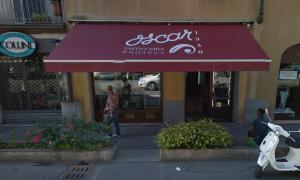 """La pasticceria """"Oscar"""" a Busto Arsizio, uno tra i sette negozi storici premiati (google.com)"""